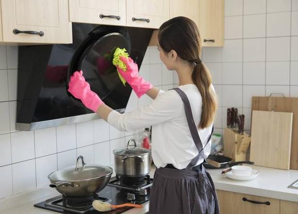 给厨房搞卫生